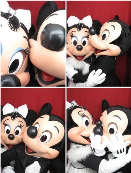 Mickey and Minnie photo booth selfies!