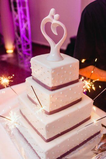 Eckige Hochzeitstorte In 2019 Hochzeitstorten Pinterest