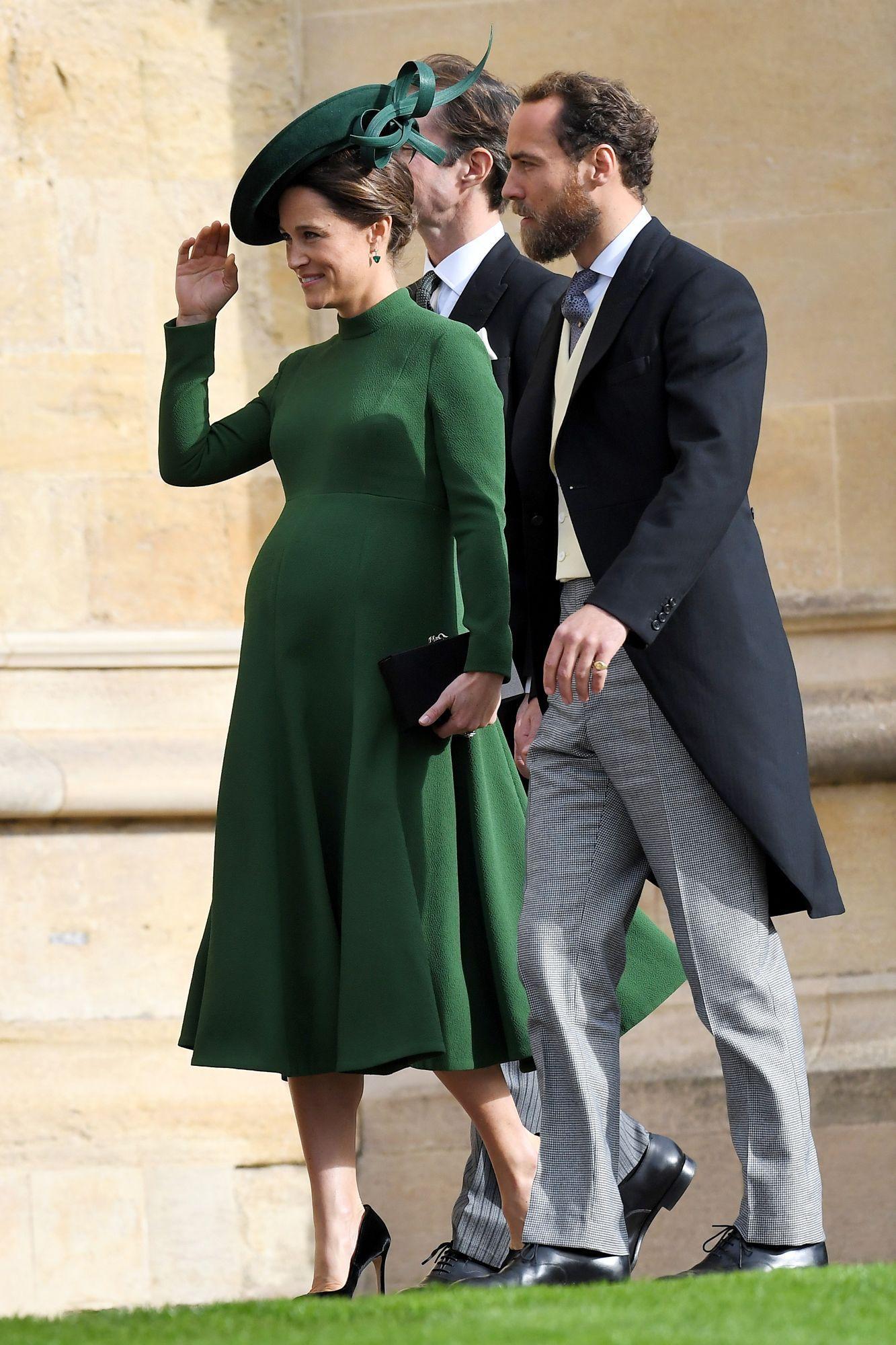 Matrimonio Pippa Middleton : 9 months pregnant pippa middleton arrives for princess eugenies