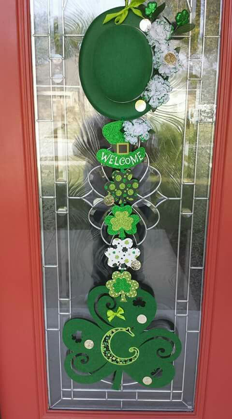 St Patrick's Day door decorations from the Dollar Tree (holiday door wreaths dollar stores)