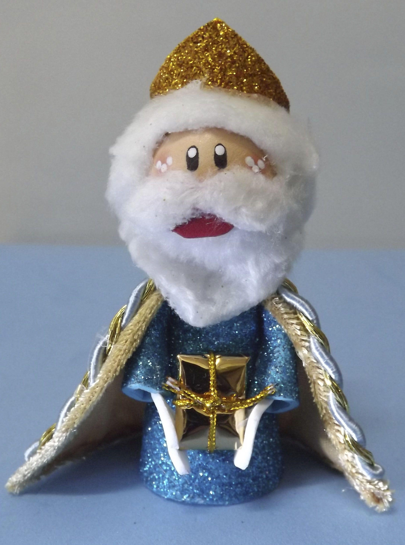 Rey Melchor hecho con goma eva. Lo puedes encontrar en www.facebook.com/detallesmajicos