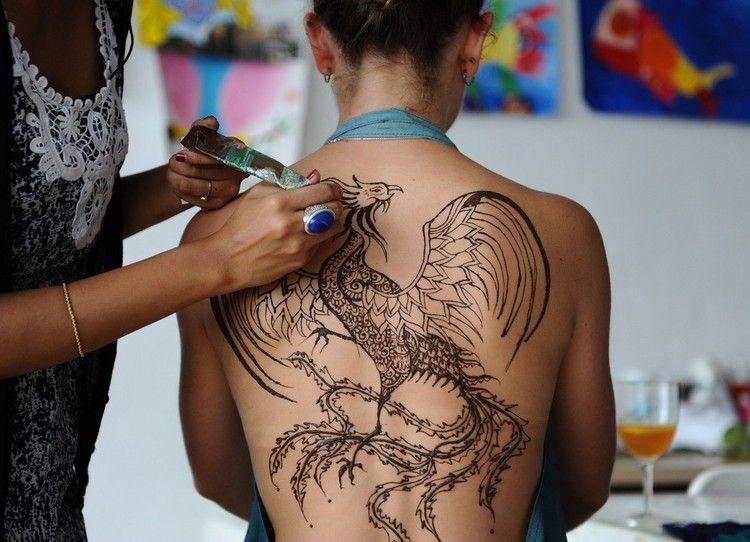phoenix als henna tattoo motiv f r den r cken tattoo motive pinterest hennas and tattoo. Black Bedroom Furniture Sets. Home Design Ideas