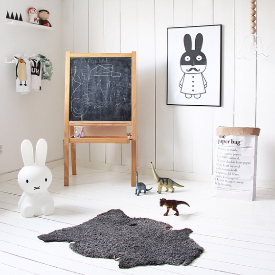 Serious kids playroom envy! We love the miniwilla poster and monochromatic vibe for this room.