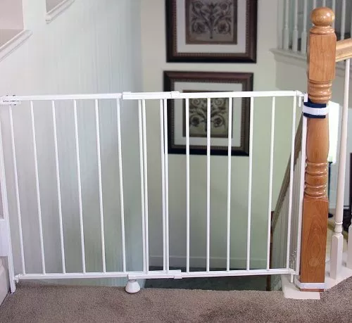Best Baby Gates For Stairs 2021 Top And Bottom Baby Gates Expert Top Of Stairs Gate Best Baby Gates Baby Gate For Stairs