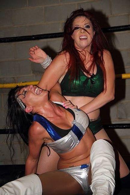 Santana Garrett vs Taeler Hendrix | Women Wrestling ...