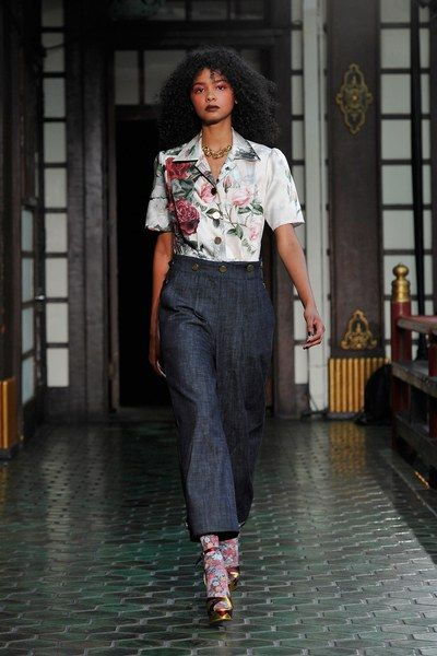 View the complete Fall 2017 collection from Wolk Morais.