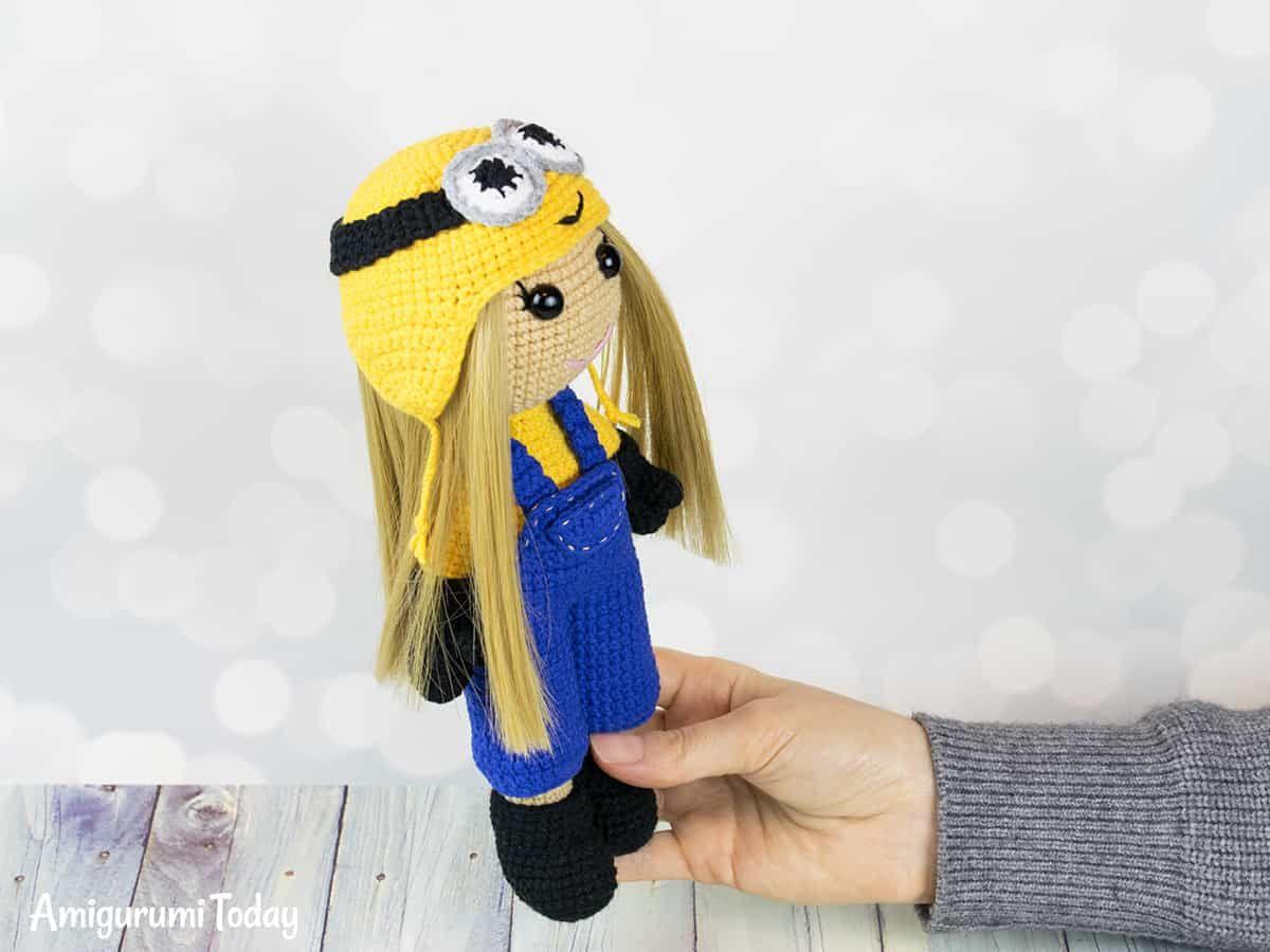 Crochet doll in Minion costume | Muñecas y Tejido