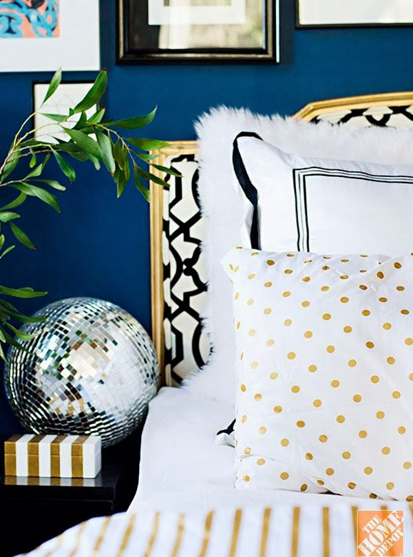 Chicdeco Moody Blue Indigo Wall In Black White And Gold Bedroom