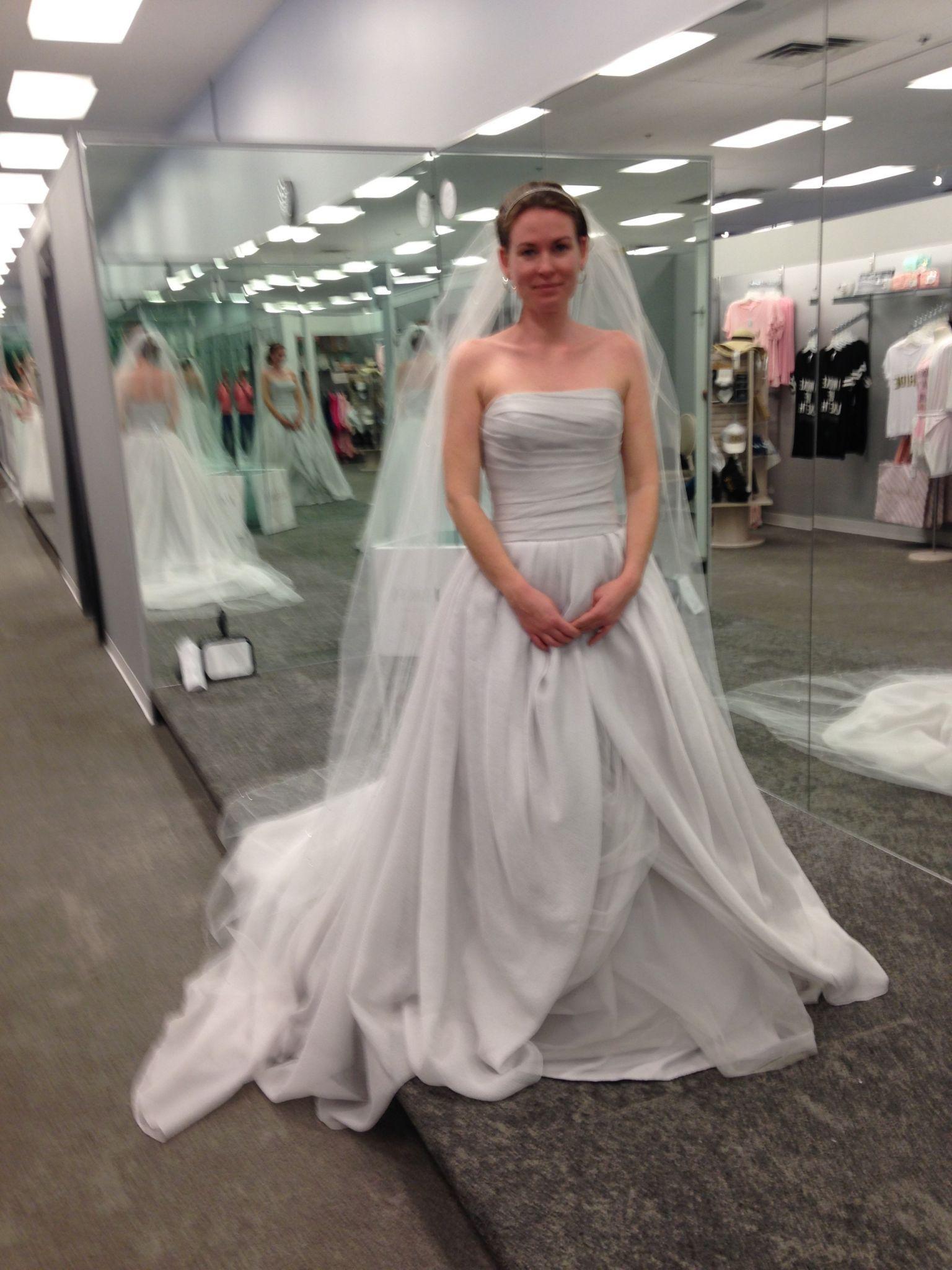 b7e49fe200dd Vera Wang White Textured Organza Wedding Dress 4