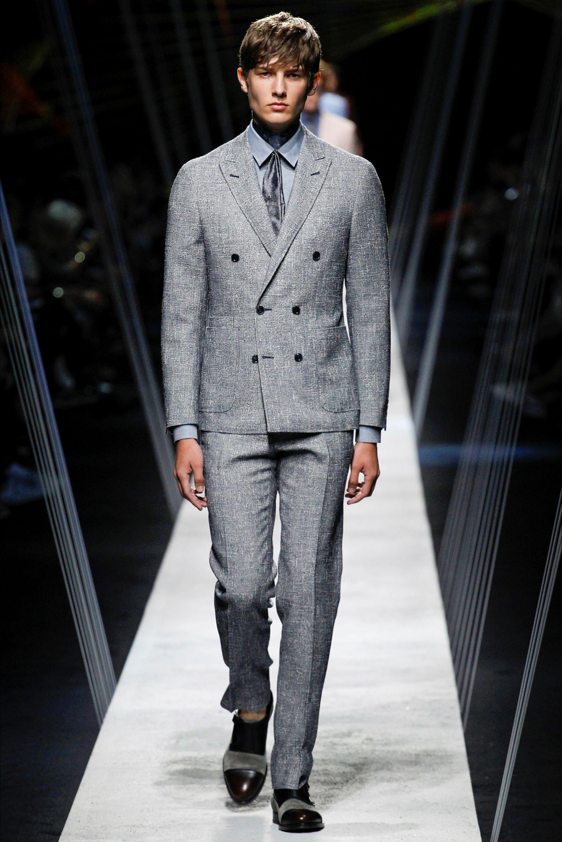 de3c0ab8e3 Sfilata Moda Uomo Canali Milano - Primavera Estate 2017 - Vogue ...