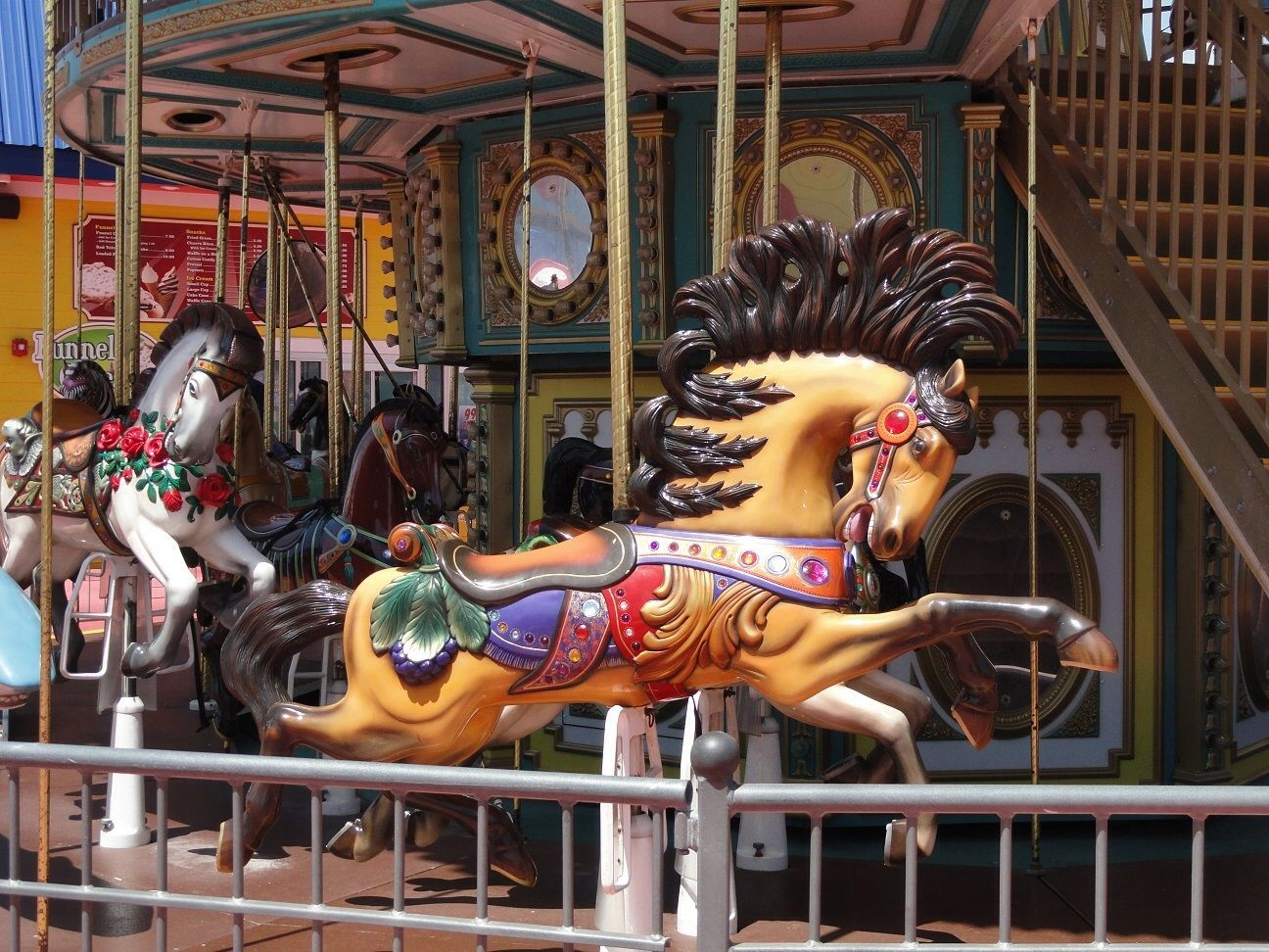 Racing Horse Chance Rides Double Decker Carrousel On The