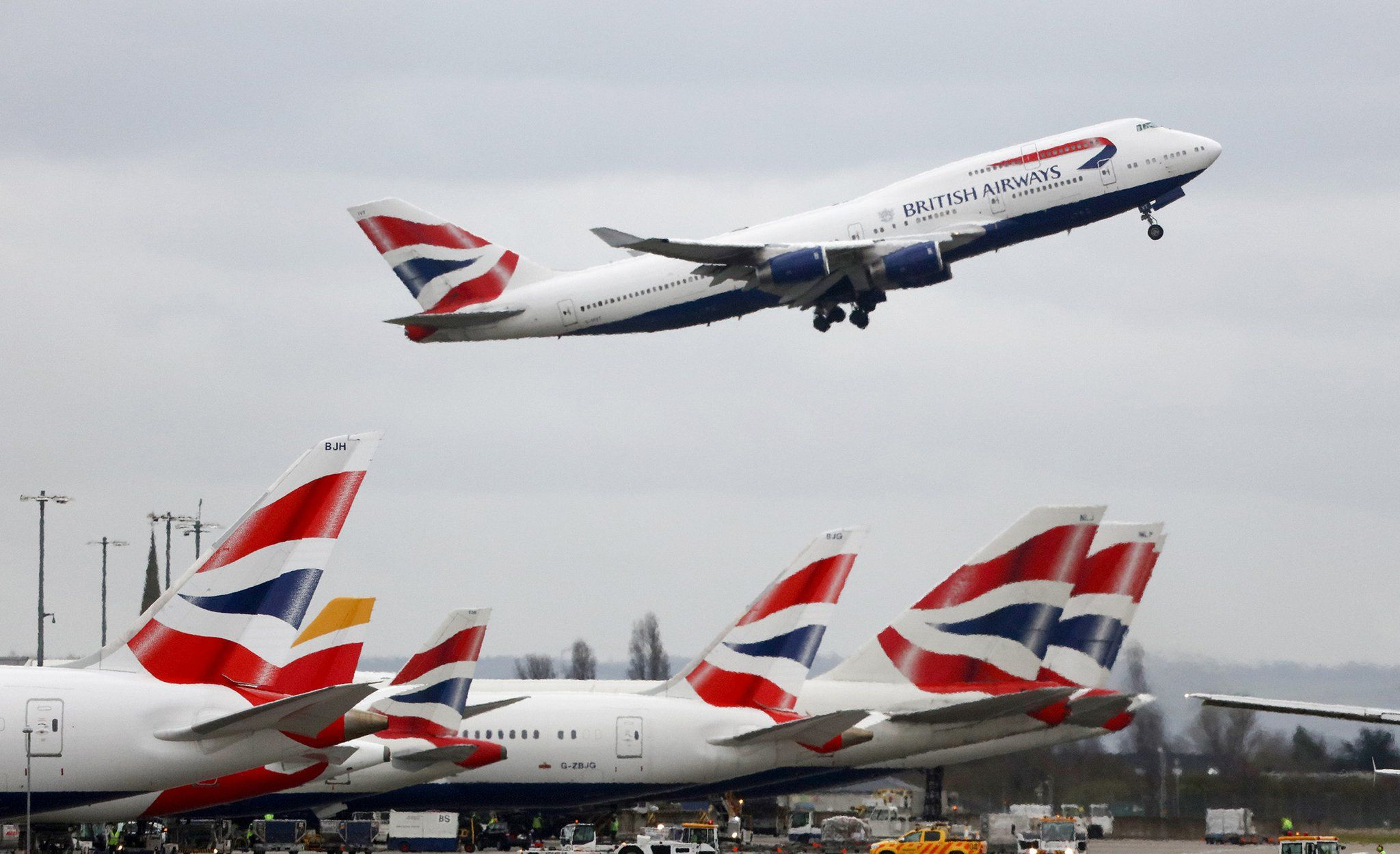 Bloomberg on Twitter British airways, Heathrow, Airline