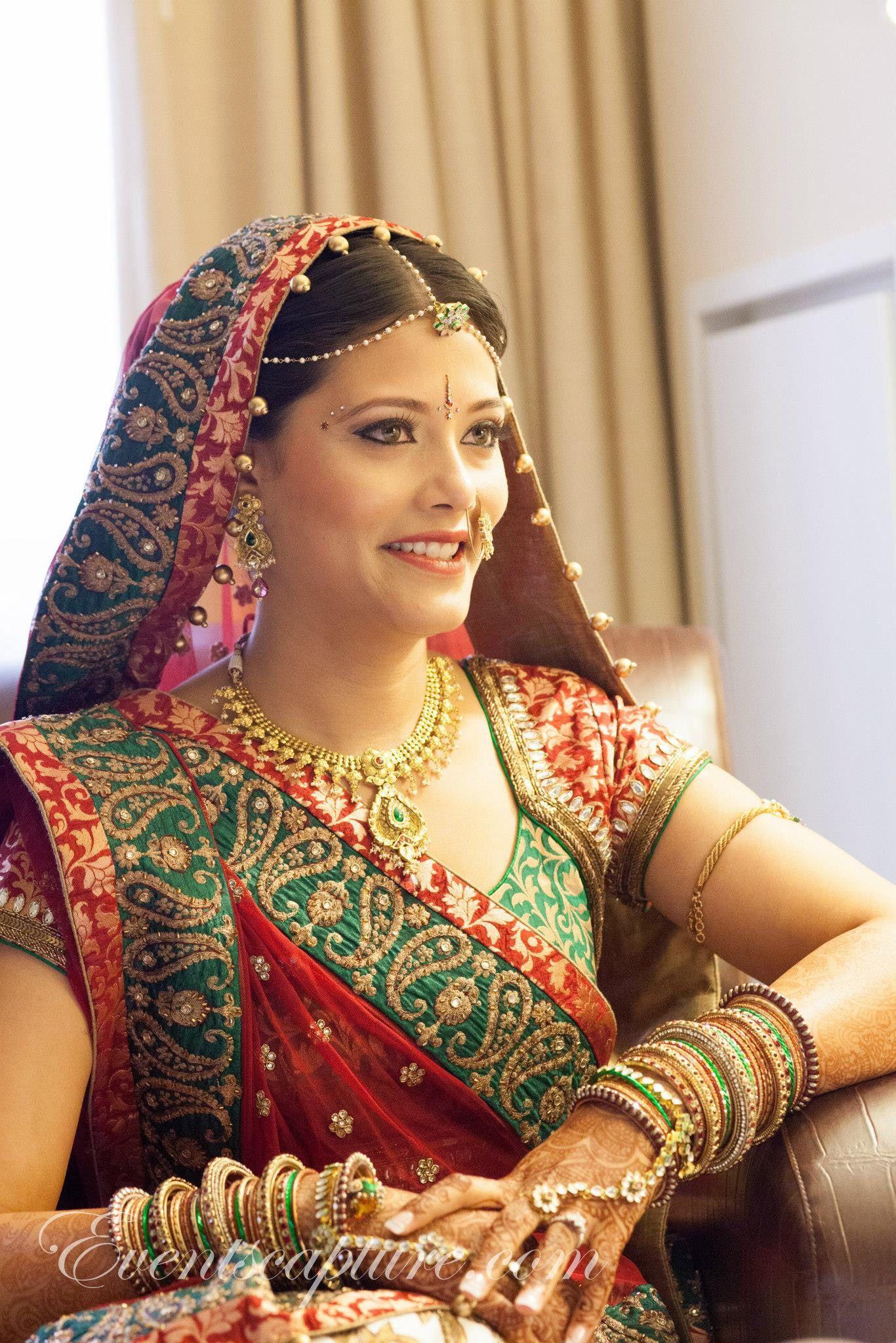 Soft Looks For Gujarati Bride Looks By Jassi Indian Bridal Outfits Indian Bridal Bridal Outfits