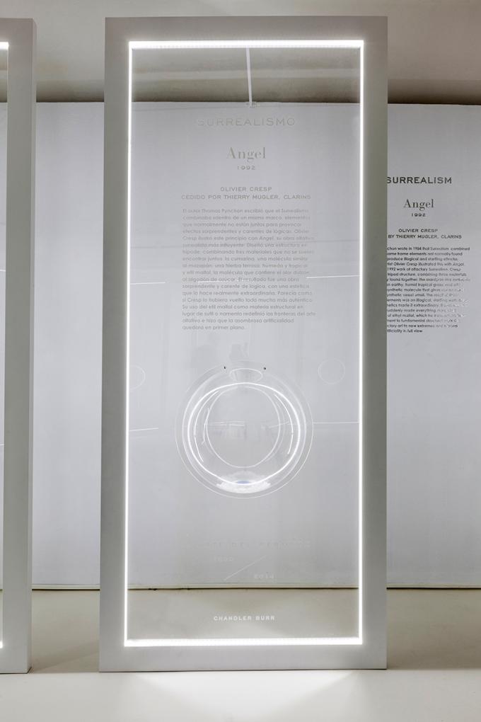 El Circulo De Bellas Artes Presenta La Primera Exposicion Dedicada Al Arte Del Perfume Sobre Arquitectura Y Mas Desde 1998 Art Exhibition Exhibition Exhibition Design