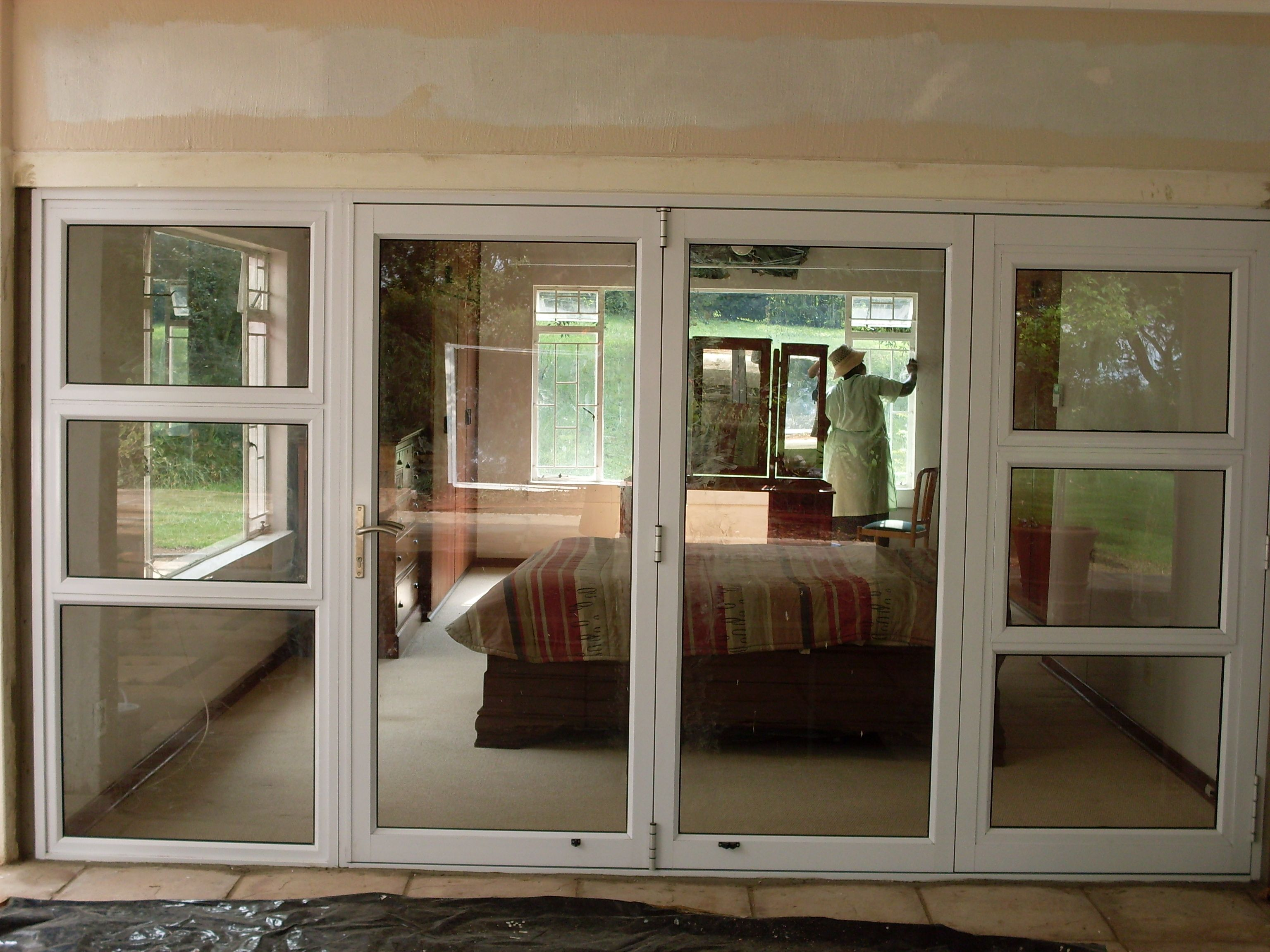 Aluminium windows and doors johannesburg pretoria for Aluminium glass windows and doors