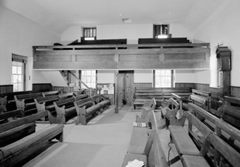 17th Century Quaker Meeting House New Englandthe Typical Design Is