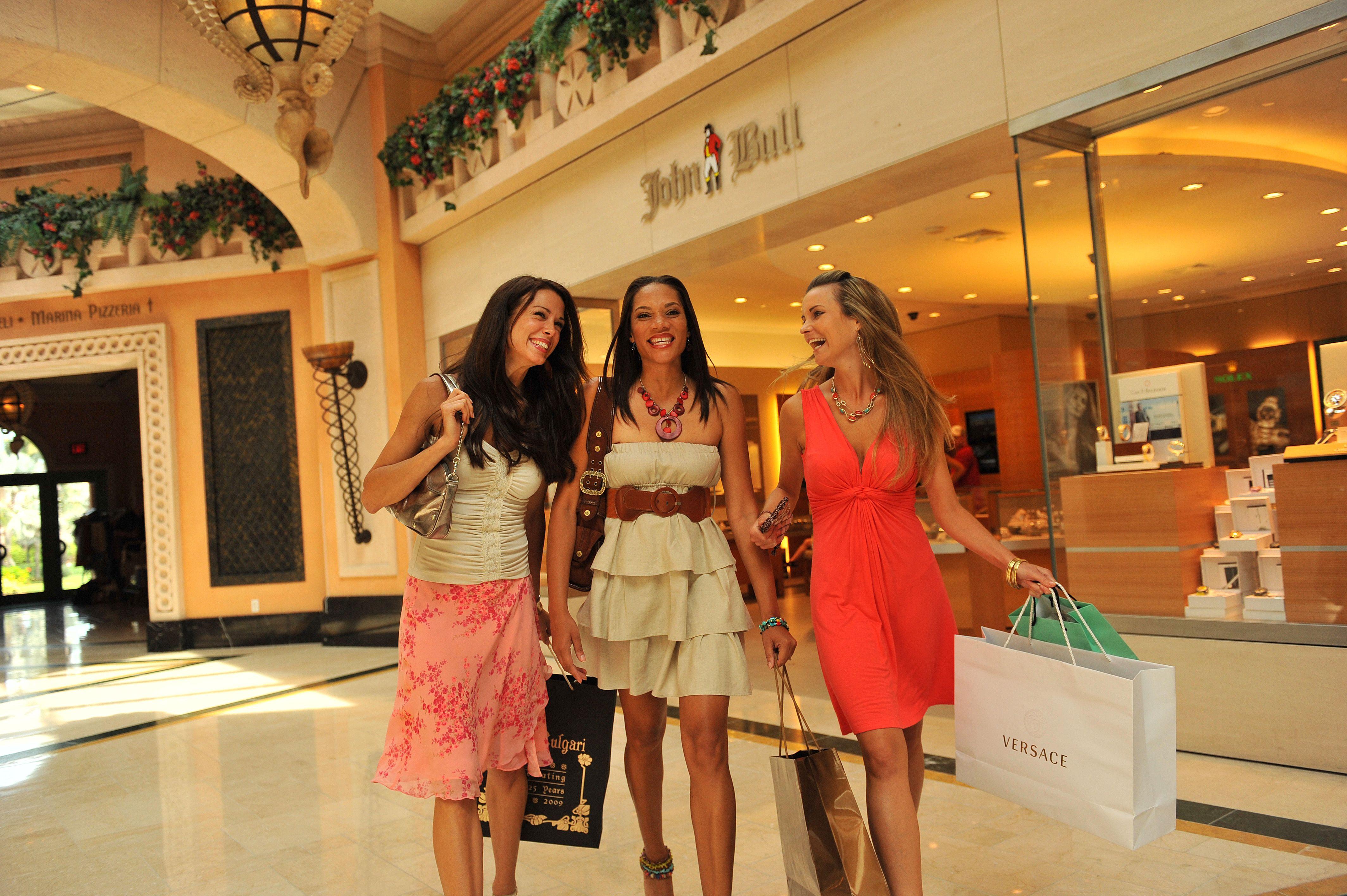 Paradise Island, Nassau, Shopping