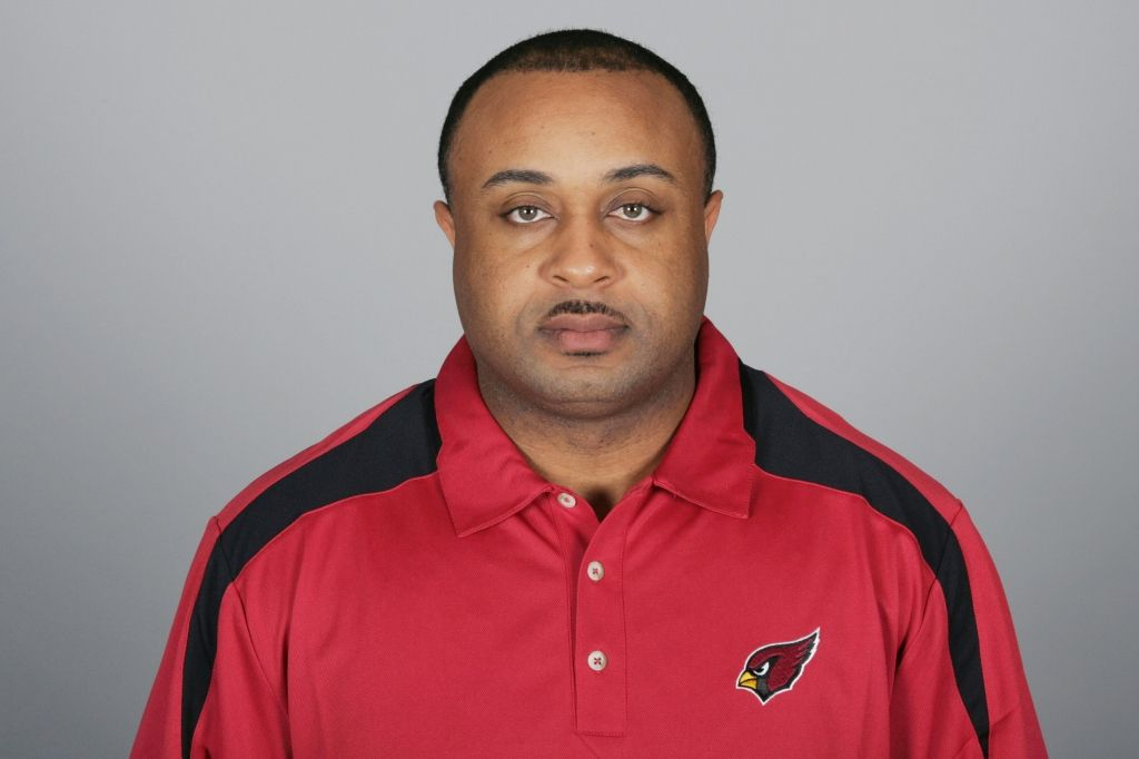 49ers hire Modkins as OC Flaherty for OL