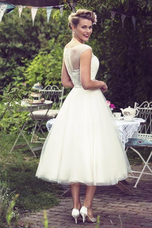 View Our Range Of Affordable Tea Length Wedding Dresses From Brighton Belle Featur Wedding Dresses Vintage 20s Short Wedding Dress Vintage Short Wedding Dress
