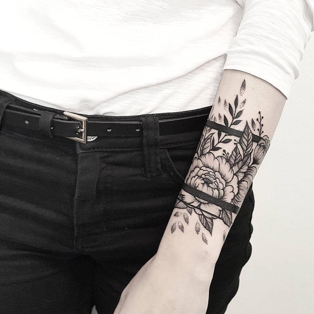 16 Cute Charm Bracelet Tattoos: Loral Bracelet Dekuji Za Navstevu