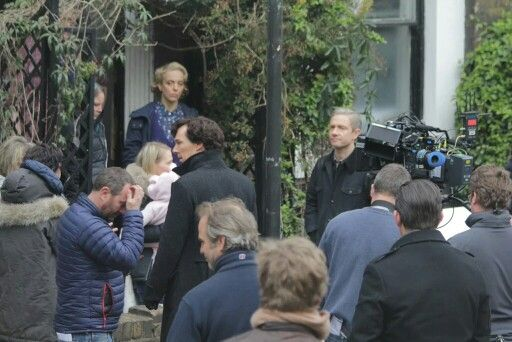 Benedict Cumberbatch, Martin Freeman and Amanda Abbington filming season 4 of Sherlock in London #setlock