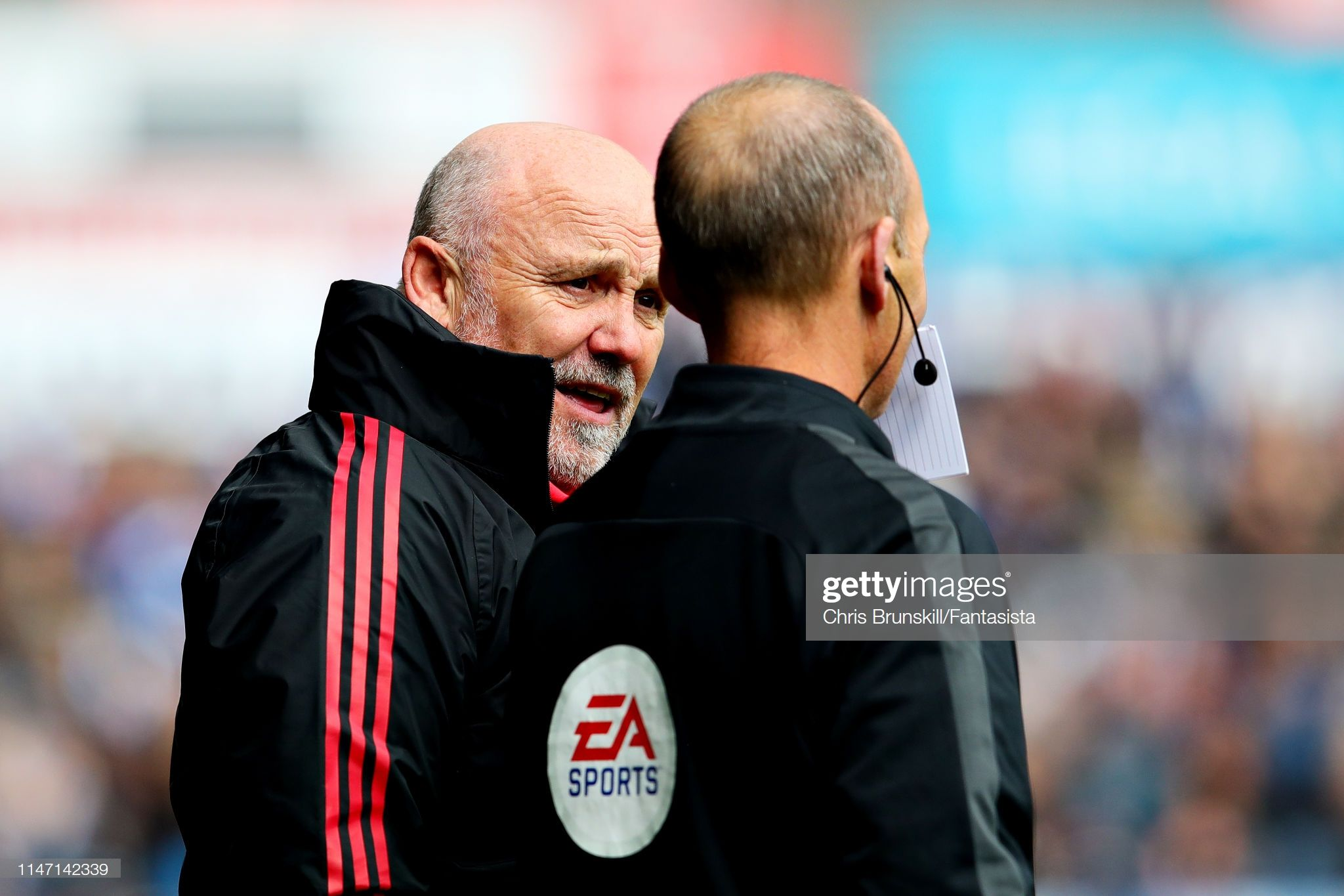 Assistant Manager Of Manchester United Mike Phelan Talks With The Manchester United Manchester United Football Club Manchester