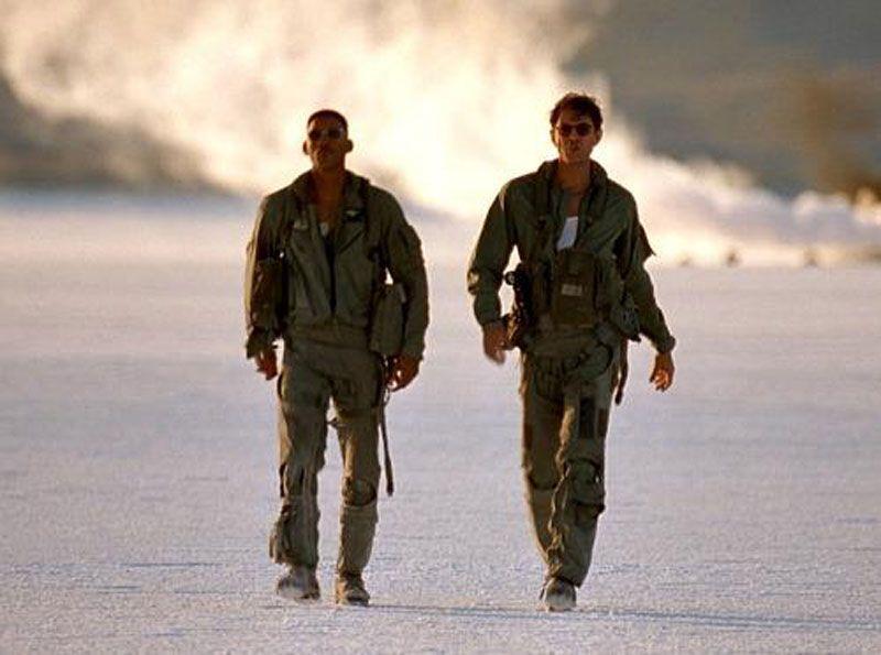 guardate jeff goldblum in  independence day, in questa scena potrete vedere la camminata più sexi mai ripresa dal cinema!!!