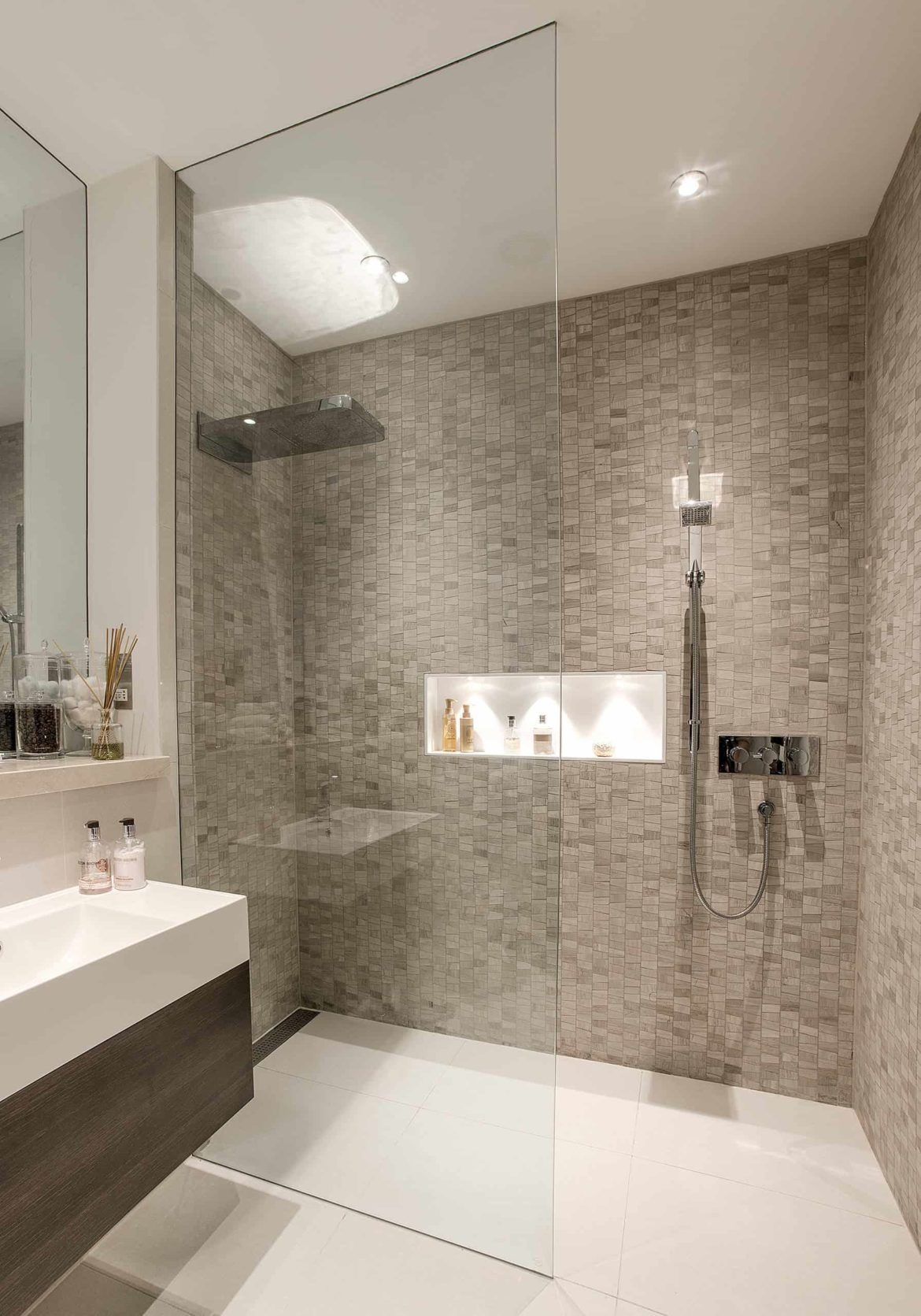 36 Doorless Walk In Shower Ideas And Designs 2020 Edition