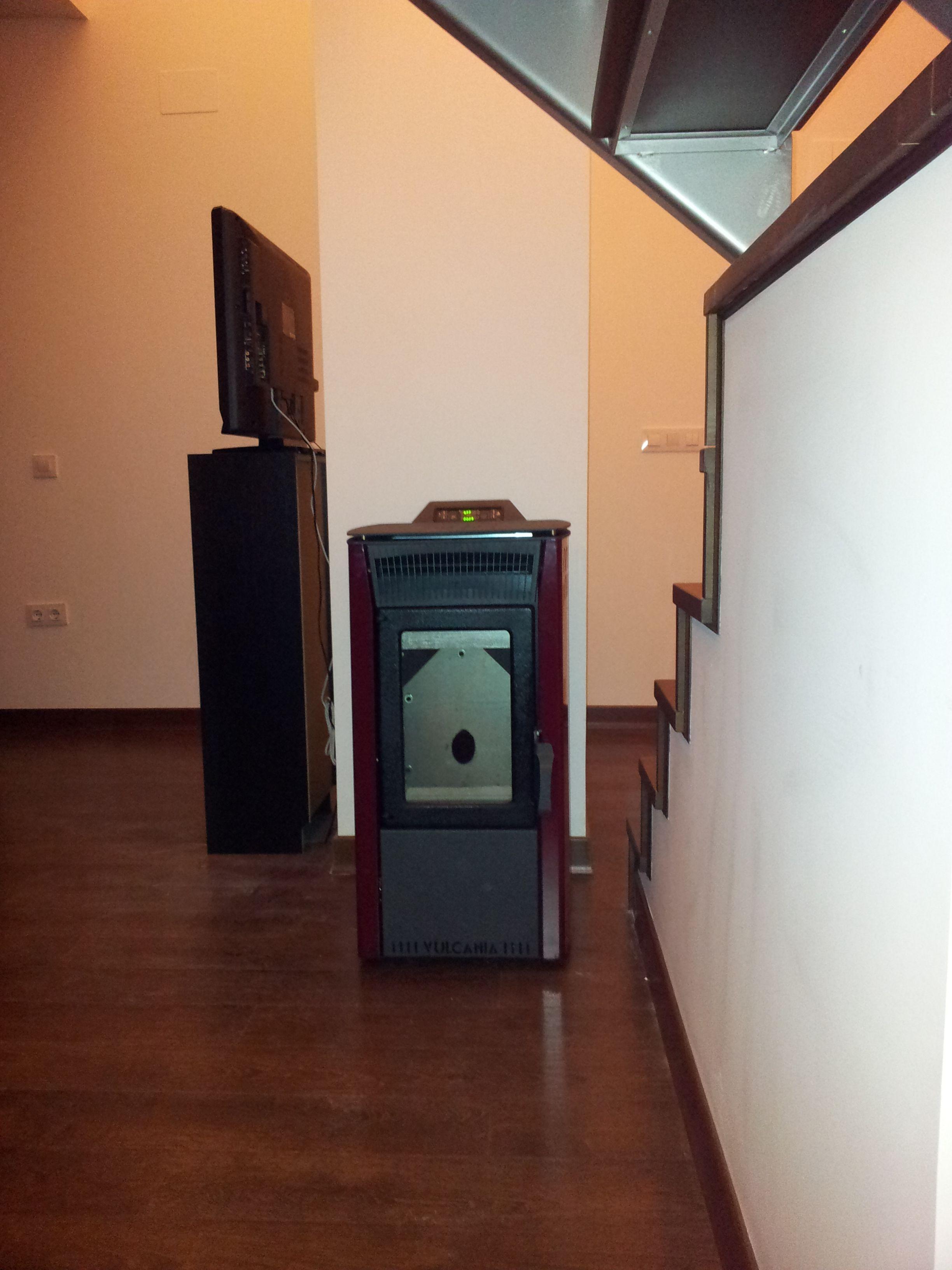 Estufa De Pellet Instalada En Azuaga 10kw Estufas De Pellet  # Muebles Pesoa Olivenza Badajoz