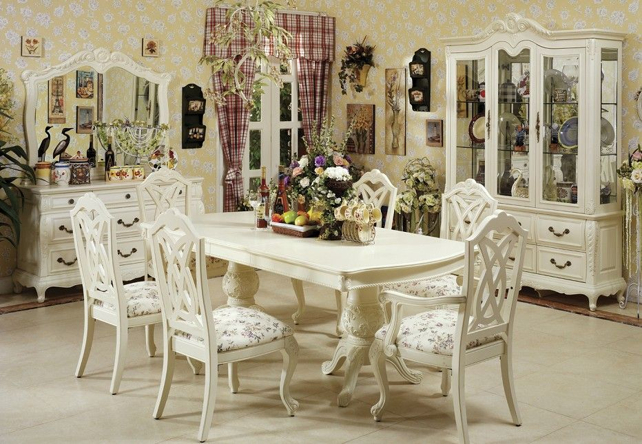 Vintage Dining Room Table And Chairs