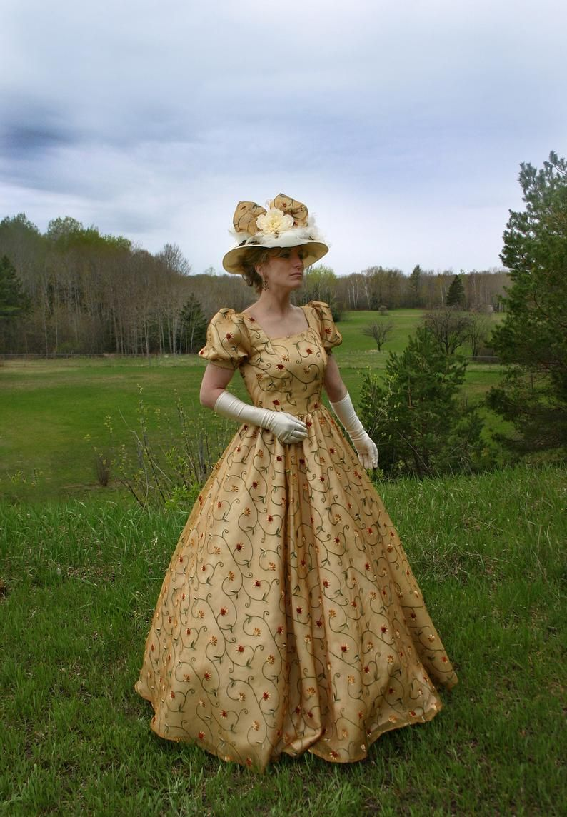 190644 Tuscany Victorian Silk Organza Ball Gown Etsy Victorian Ball Gowns Victorian Dress Historical Dresses [ 1144 x 794 Pixel ]