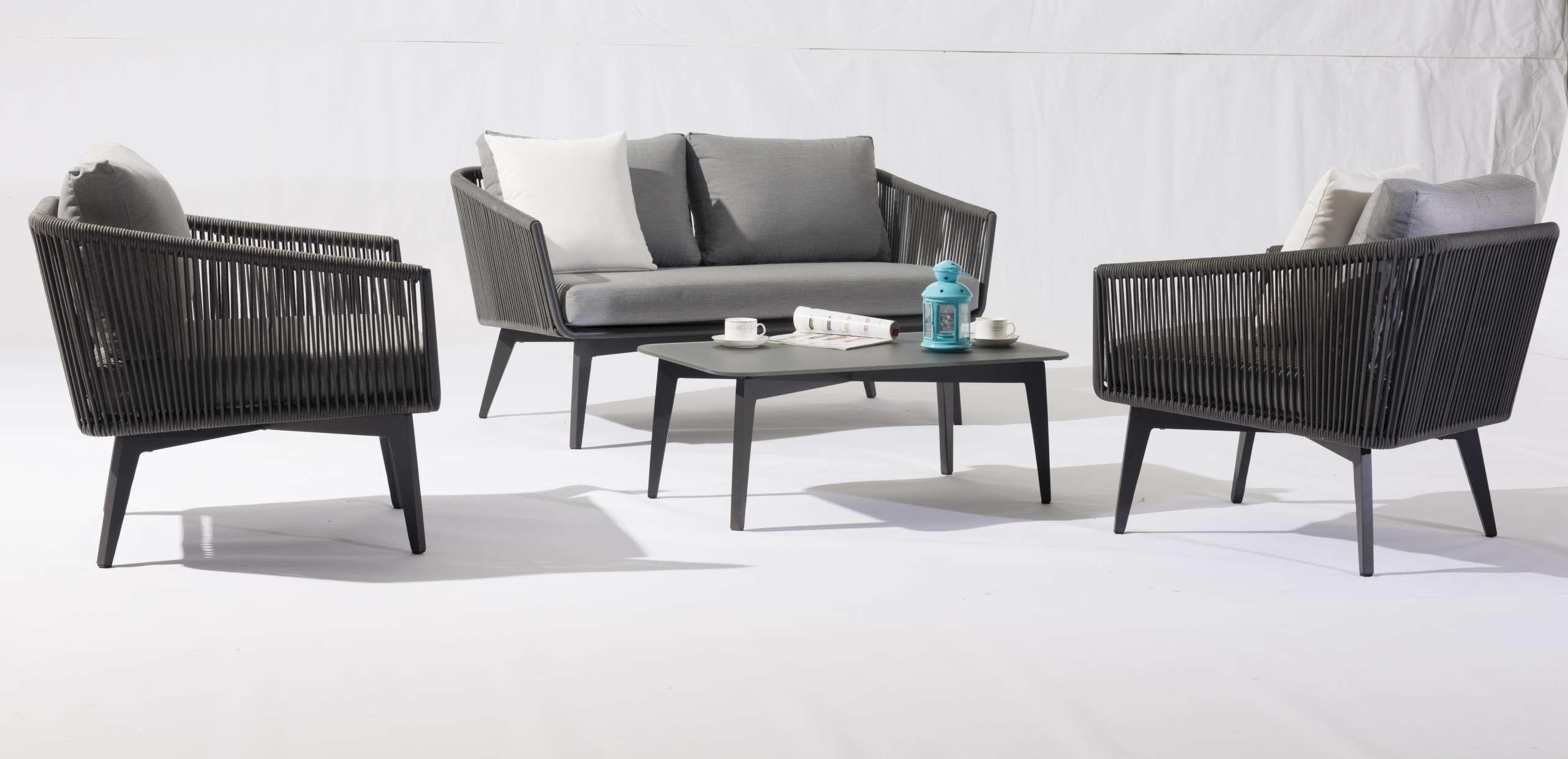 Ausgefallenes Designer Gartenmöbelset bestehend aus zwei ...