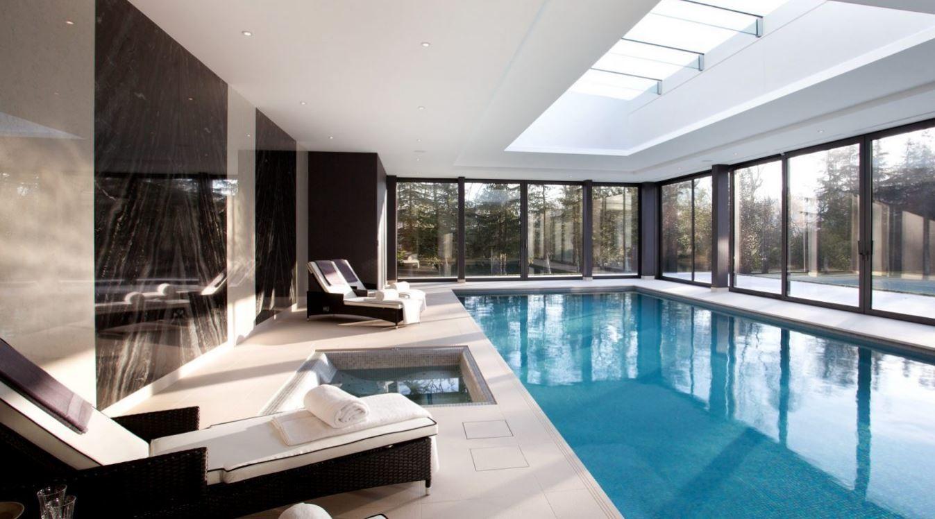 e8c7fa2530baf 10 Increíbles diseños de piscinas interiores