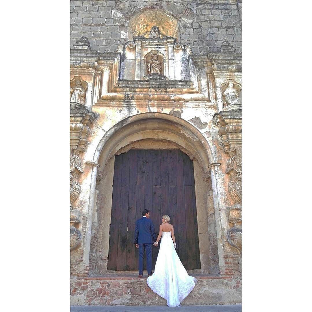Forever and ever... My love #luispedrogramajophotography #Huawei #LightYourLife #MakeItPossible #P8Huawei #wedinguatemala #wedding #destinace #destinasyon #destination #destinationwedding #bridebook #destinazione #weddingphoto #weddingideas #weddings #weddingphotography #weddingphotographer #weddingdress #love #forever #antigua #picoftheday #photooftheday #weddingideas_brides #weddingawards #weddinginspiration #HuffPostIDo #perhapsyouneedalittleguatemala