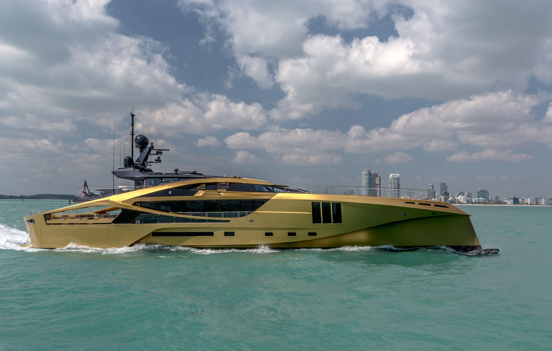 wheelhouse mega yacht cruising carbon