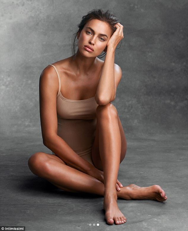 nude art models Italian