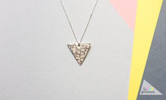 Collar Triangle Les généreuses por Lesgenereuses en Etsy