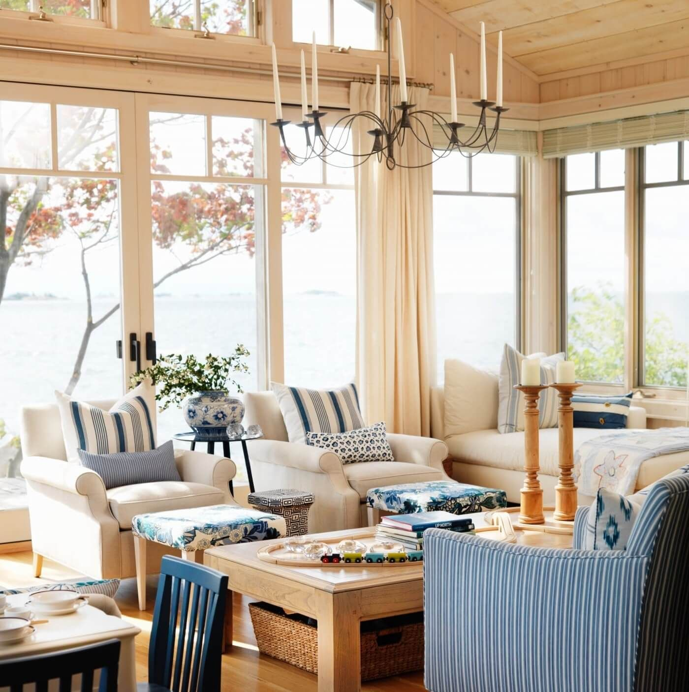 Beach Themed Living Rooms With Images Coastal Decorating