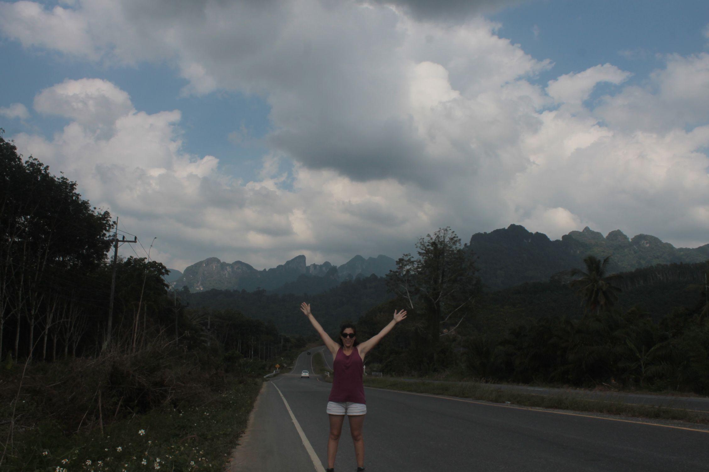 En la carretera entre Panom y Kao Sok