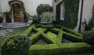 Courtyard Parterre Design By Land Plus Associates Via Houzz Traditional Landscape Landscaping Atlanta Garden Hedges