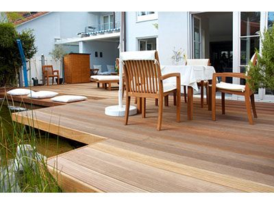 holzterrasse unterbau planene dachterrasse hoch eine terrasse aus holz erf llt den traum eines. Black Bedroom Furniture Sets. Home Design Ideas