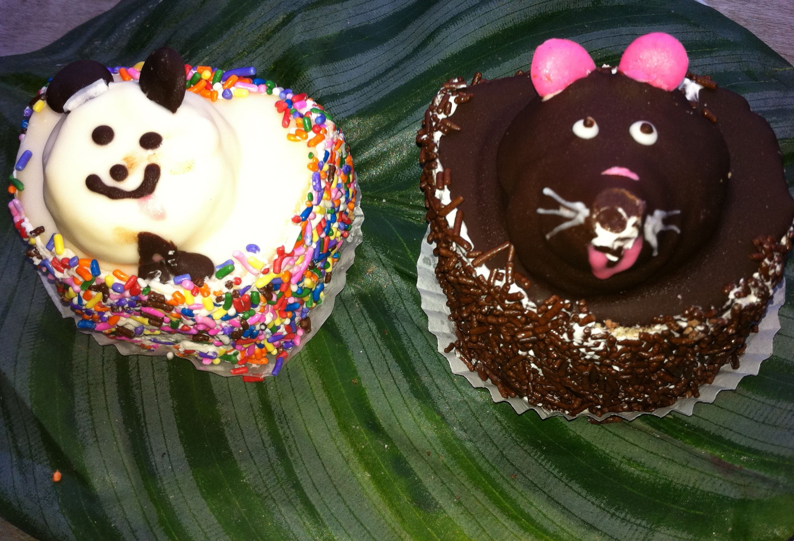 The panda and the mouse cupcakes