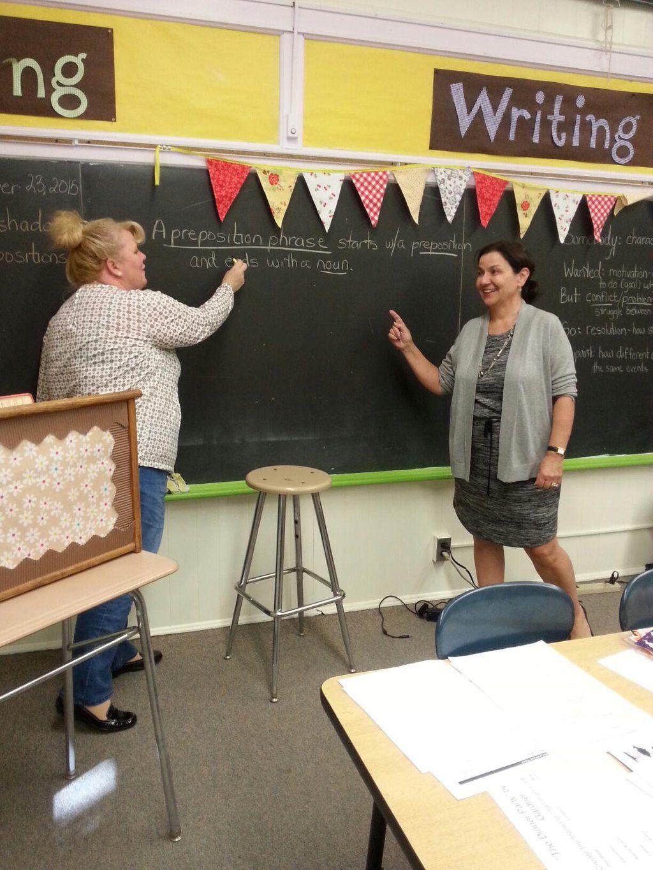 Consultant Margarite Lovett at @pitmanschools, in Kandice Hanrahan's 7th grade English classroom. #grammarlesson Embedded image permalink