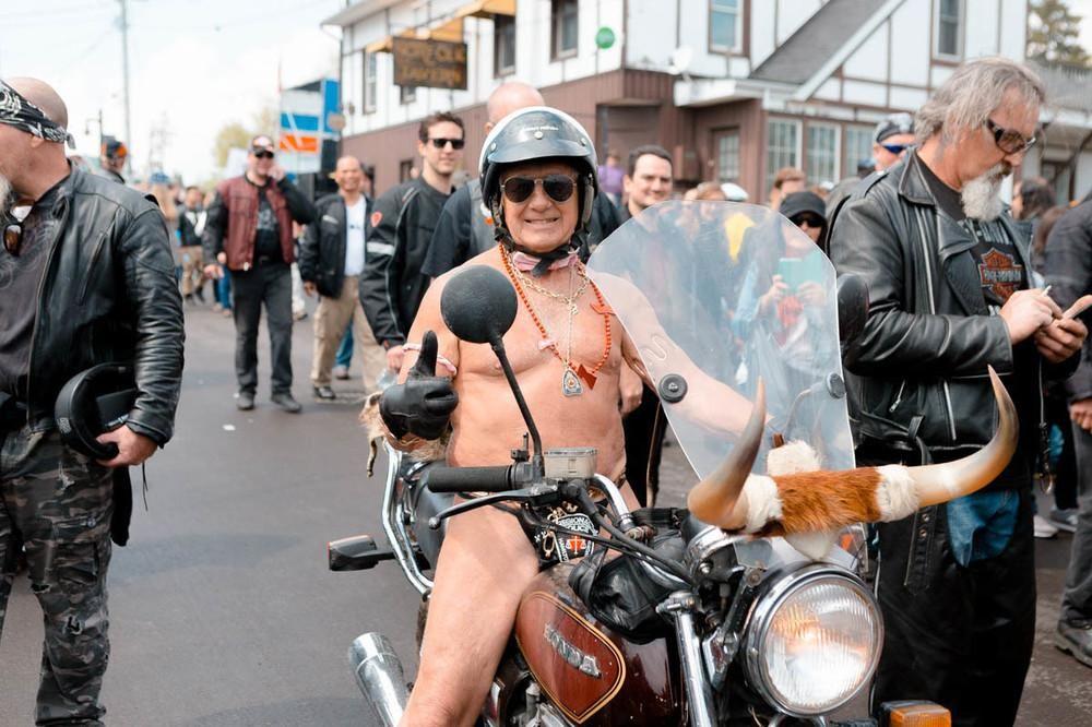 Wife runs naked at biker rally