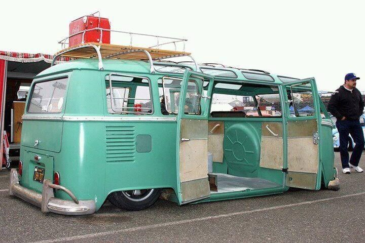VW Kombi that a nice stance http://extreme-modified.com/