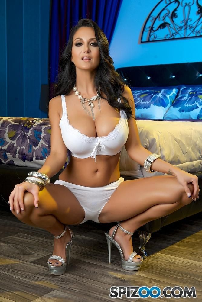 50 Mind Blowing Photos Of Milf Ava Addams Exposing Her Massive Chest