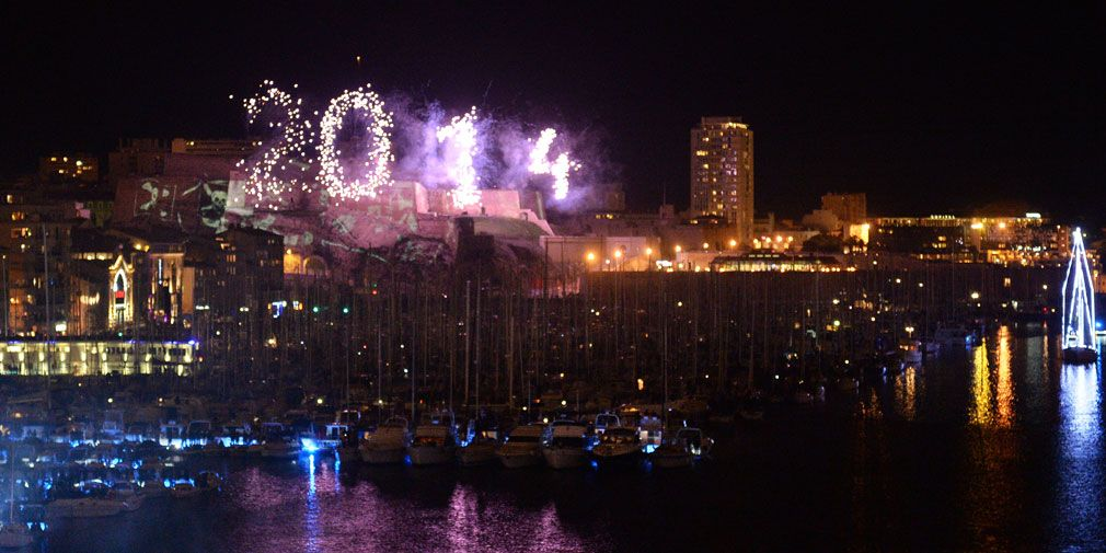 Le Vieux-Port s'embrase pour clôturer Marseille Provence 2013