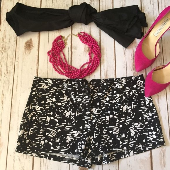 Black&White Shorts Black and White abstract design shorts! Can be worn so many different ways, add a pinch of color! Forever 21 Shorts