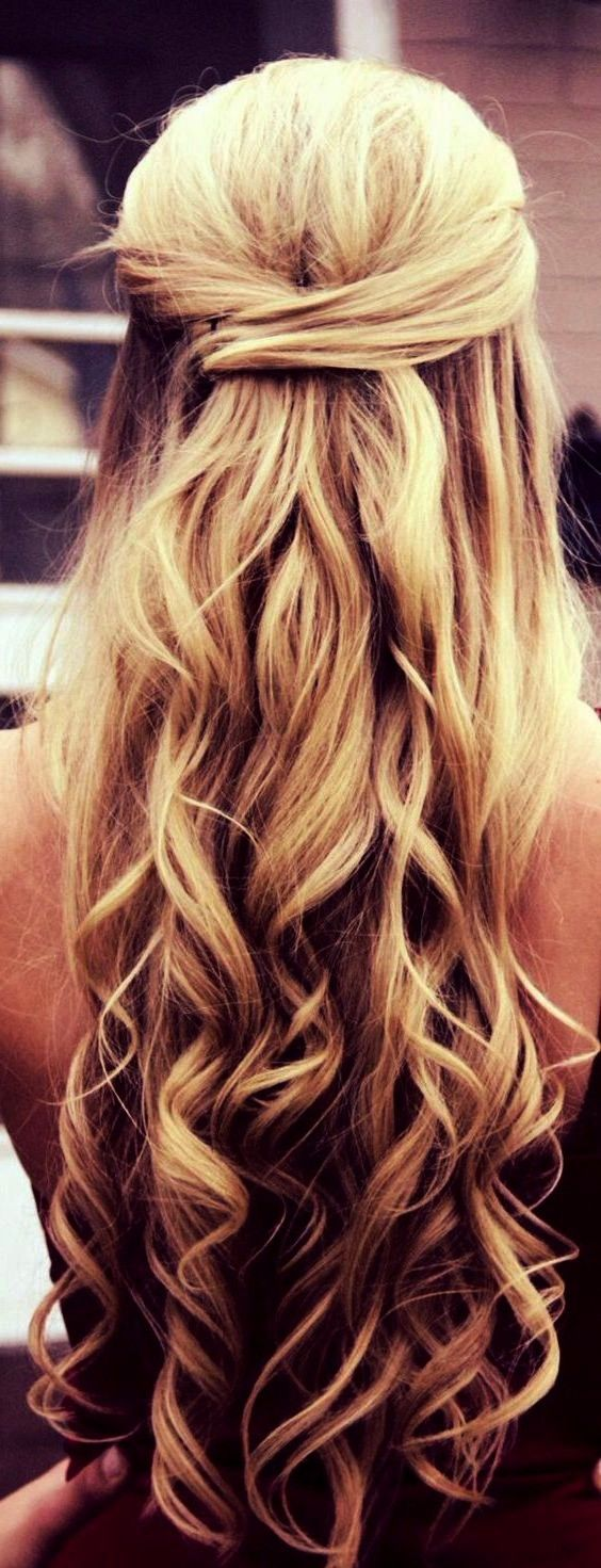 Christmas hairstyles that you will surely mark among the others Best Christmas hairstyles that you will surely mark among the others Braids Buns and Twists StepbyStep Hai...
