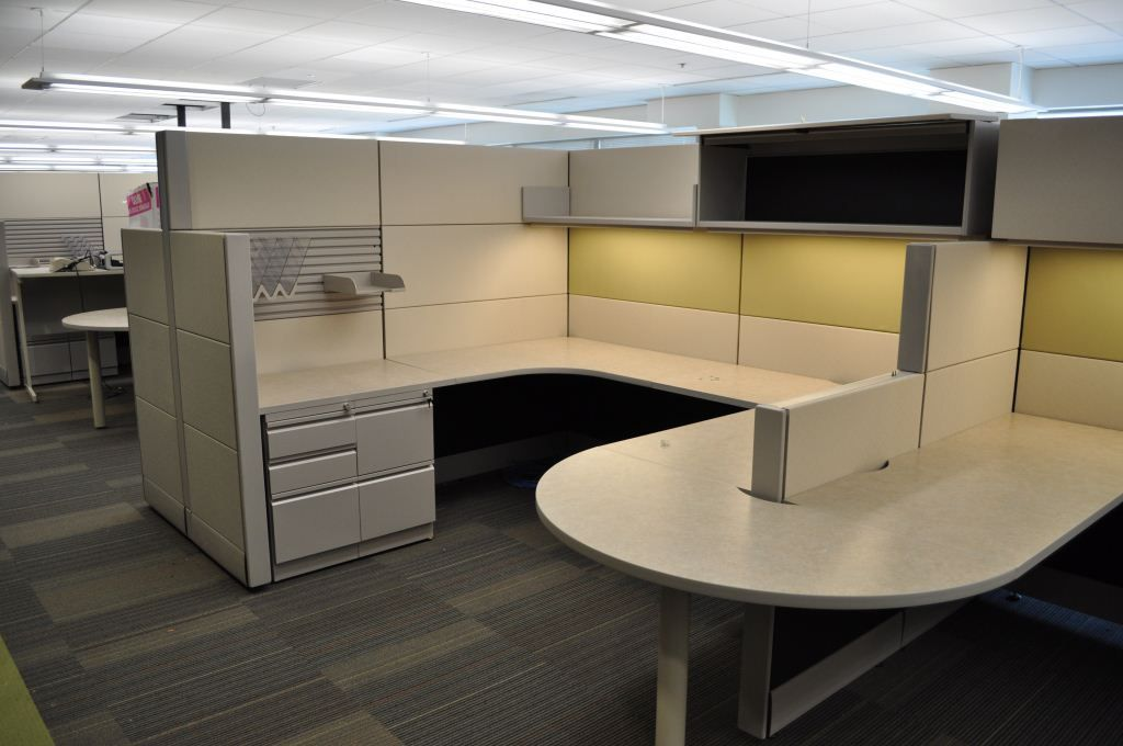 As The Largest City In Maryland Baltimore Has A Wide Range Of Businesses In Various Industries With Very Differe Cubicle Storage Cubicle Design Office Cubicle